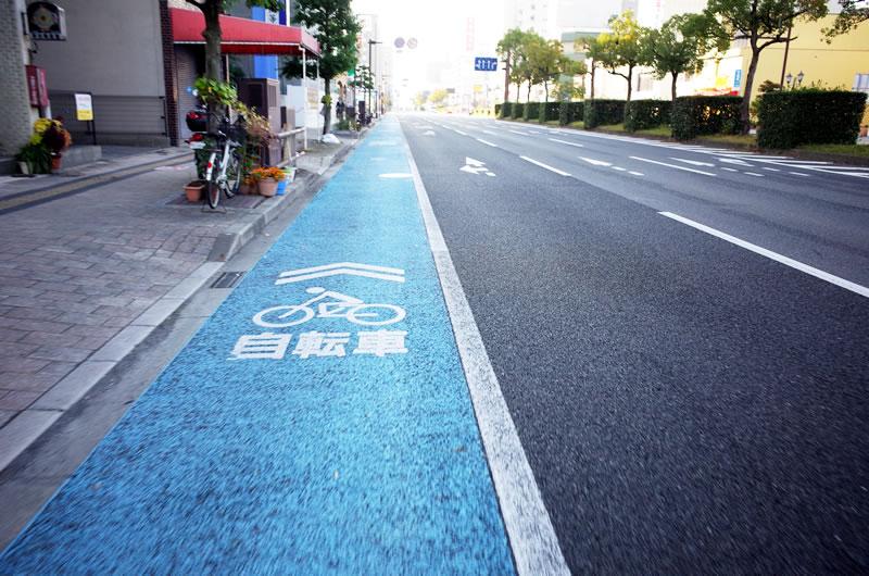 自転車専用レーンが完備している福山