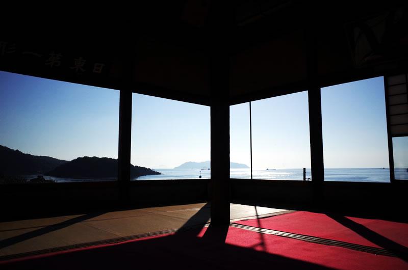 対潮楼(福禅寺)のお座敷からの眺めは屏風絵みたい