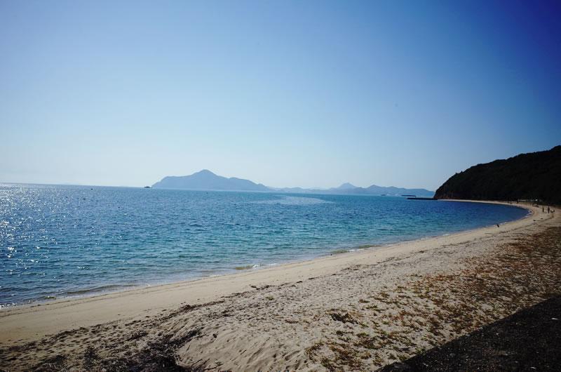 横島のオフシーズンのビーチ