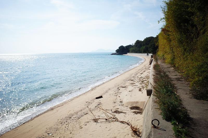 誰もいない、静かなビーチ