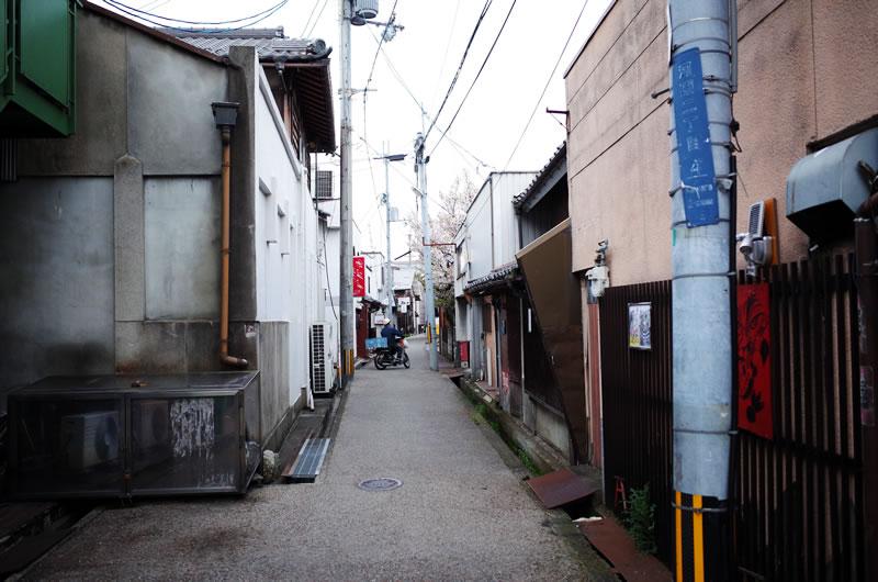 素敵な路地裏に胸がトキメキます(*´ω`)