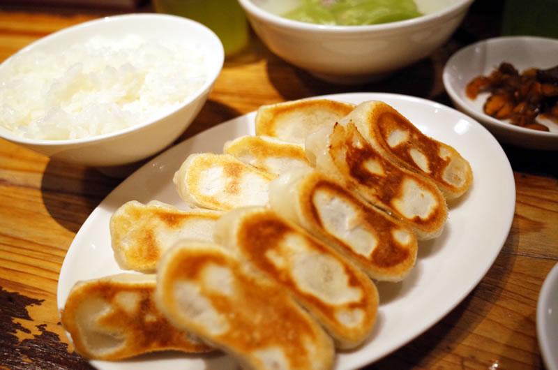 餃天堂はもちもちの餃子が特徴。美味しいけれど、個人的には「みんみん」のほうが好きかも!?