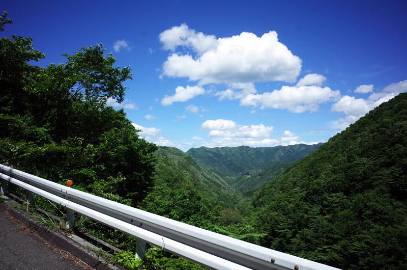 どんどん山深くなる上野小海線