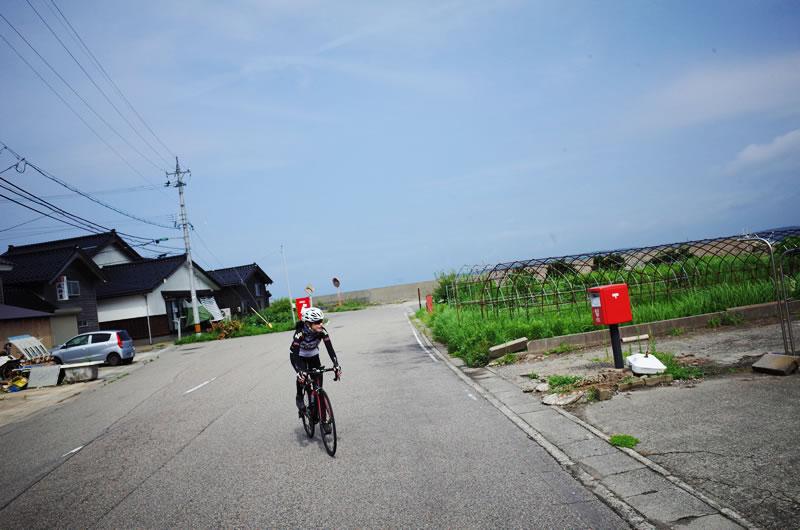 能登島の港をゆっくりサイクリング