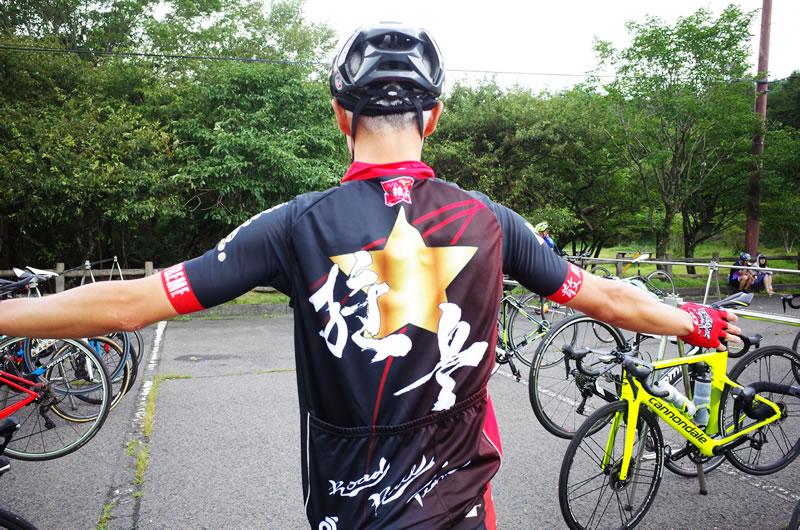 ロードバイク究極のファッションアイテム、その名は「ジレ」!
