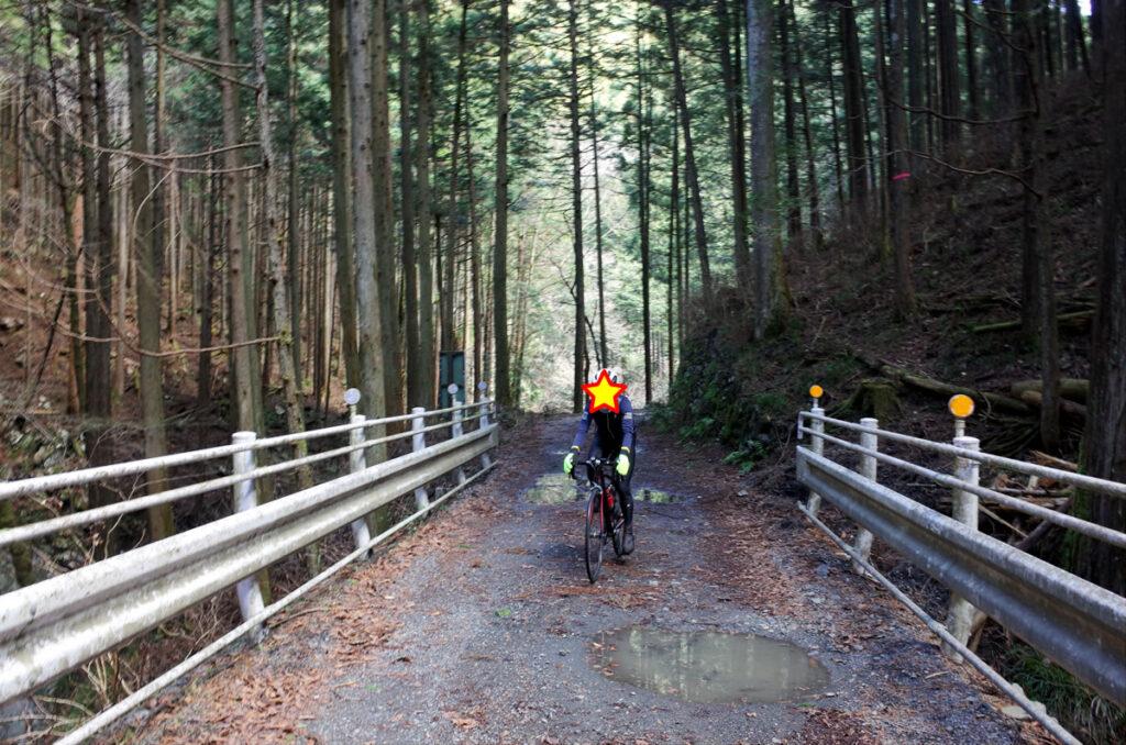 林道真名井線はロードバイクでも走れそう?