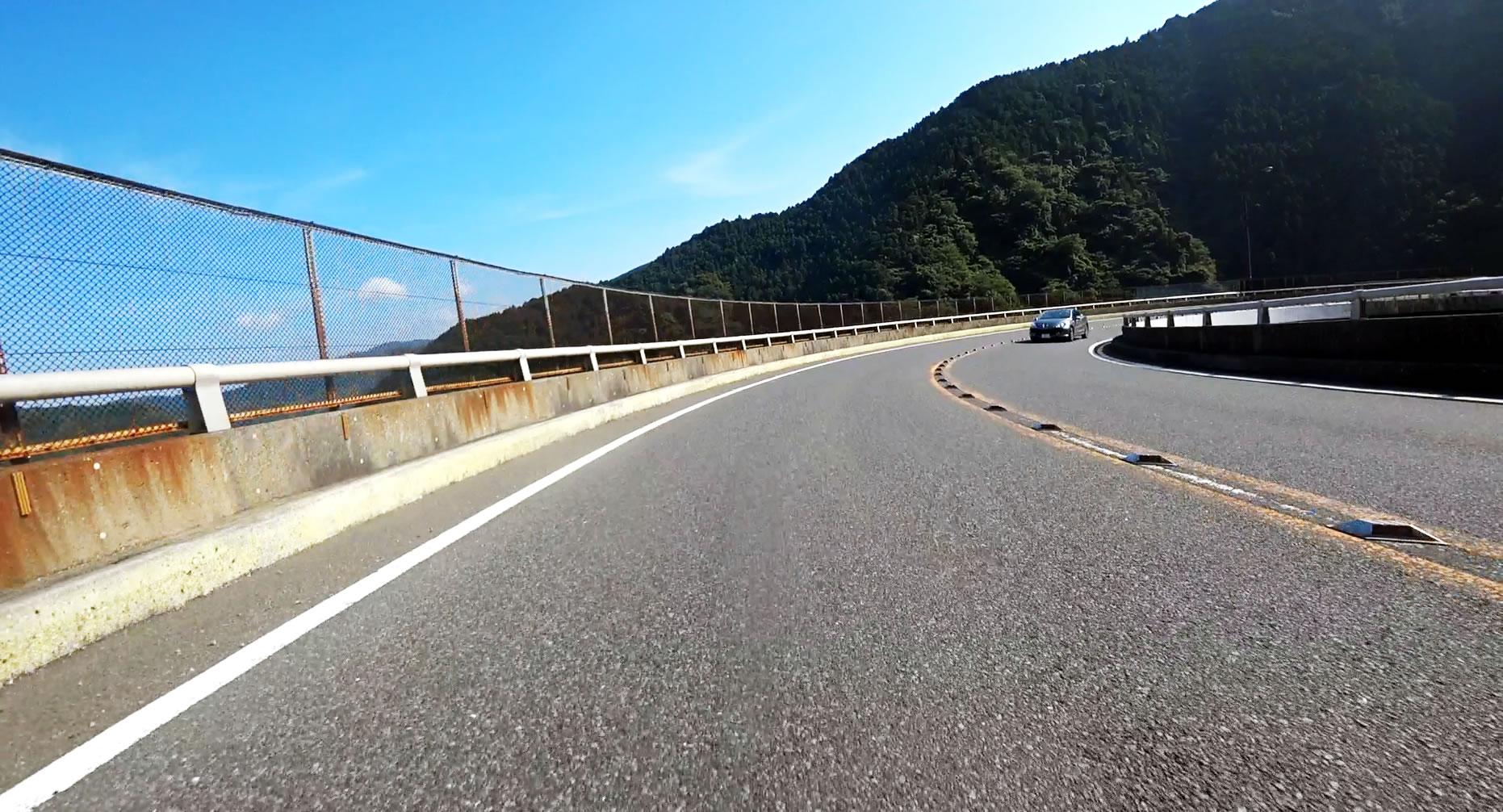 ぎゃ~ループ橋!!!