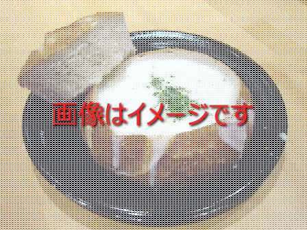 器まで食べられるスープを想像。。。