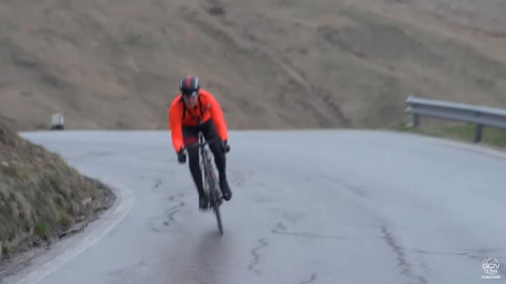 ポルドイ峠で下りの速度比較