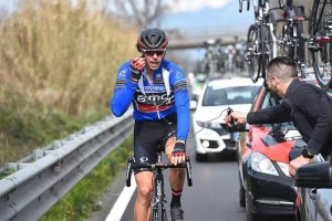 Daniel Oss (BMC) gets a radio check (Tim de Waele/TDWSport.com)
